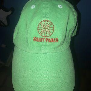 Saint Pablo hat